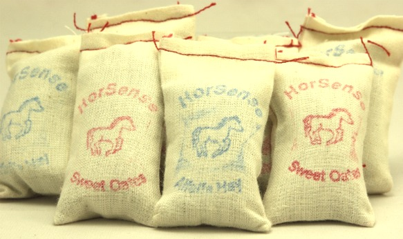 Cargo-To-Go: G Scale Grain Feed Bags Set of 6 Bags-101-0810