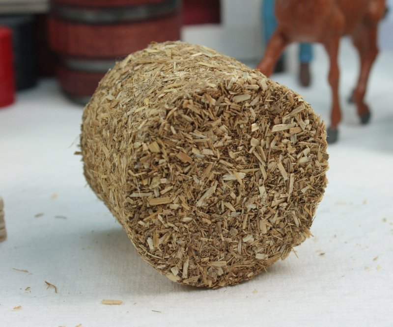 Round Hay Bales - set of 2 - 106-0703