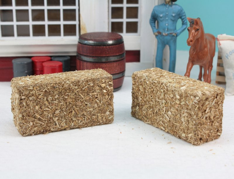 Straw Hay Bales - set of 2 - 106-0704