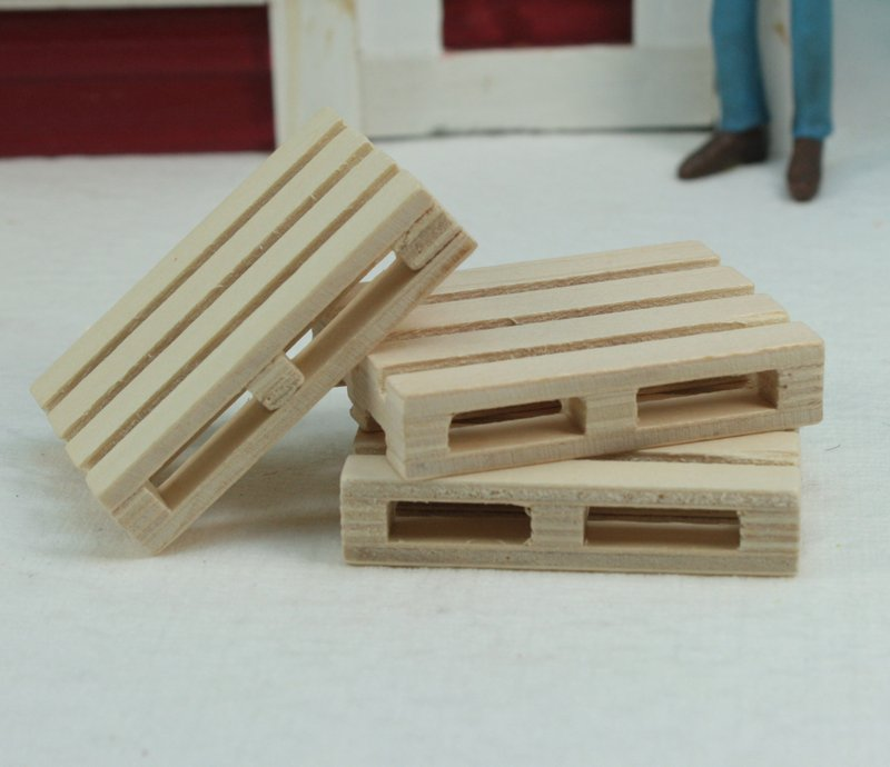 Wooden Pallets - set of 4 - 106-0761