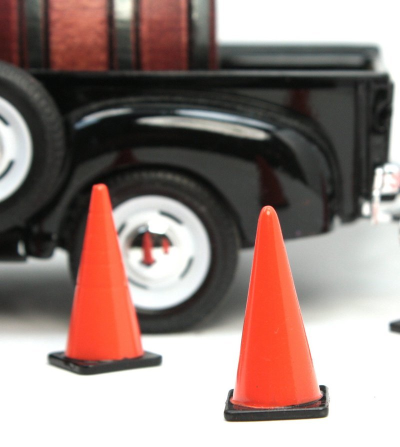 Traffic Cones - Construction Layout - G Scale - 106-17025