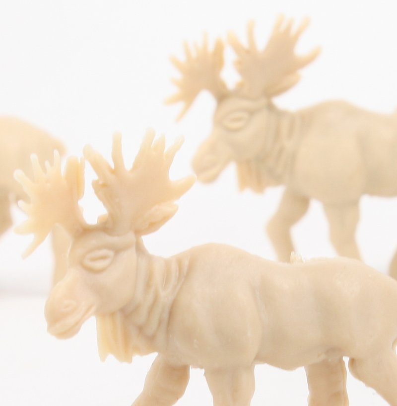 Moose - Set of 8 - Retro Dollhouse Minis - 201-0280