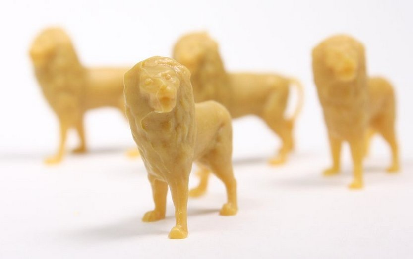 Lions - Set of 8 - Dollhouse Minis - 201-165-3
