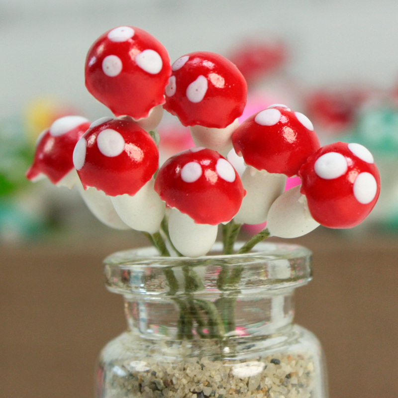 Red - Sealed Plaster - Large Mushrooms - Set of 10 - (218-0119)