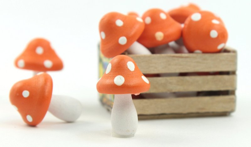 "Orange - Wood - Hand Crafted - 3/4"" Mushrooms 218-0126"