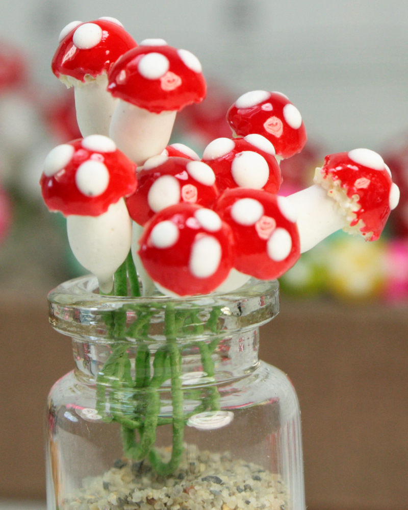 Red - Sealed Plaster - Small Mushrooms - Set of 10 - (6-703-0810