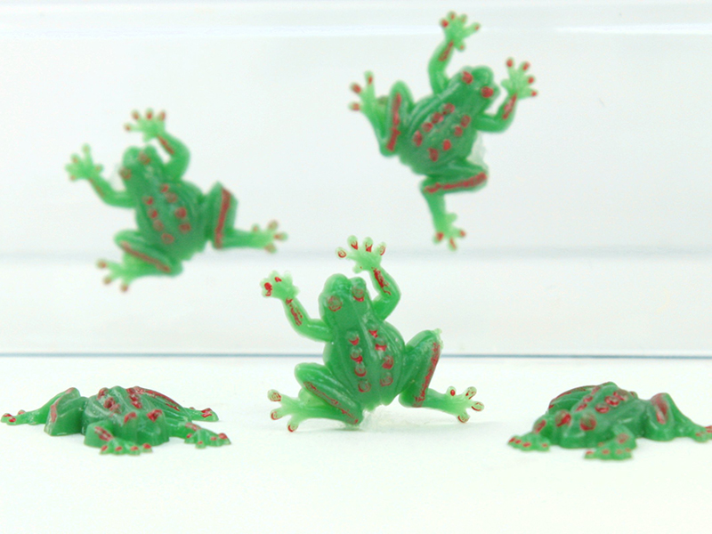 Vintage Mini Flatback Frogs - German - 24 pcs - IV3-2508