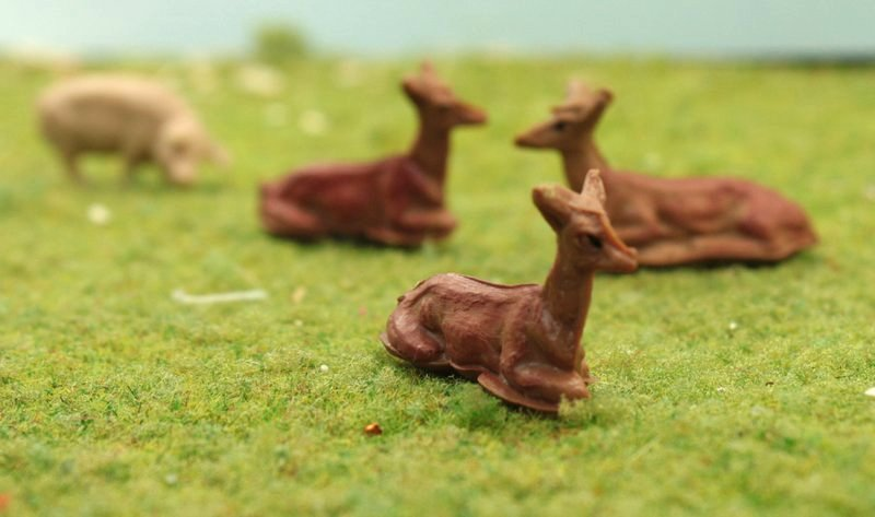"Deer Resting -  6 pcs Merten - HO Scale 3/4"" long - IV3-2556"