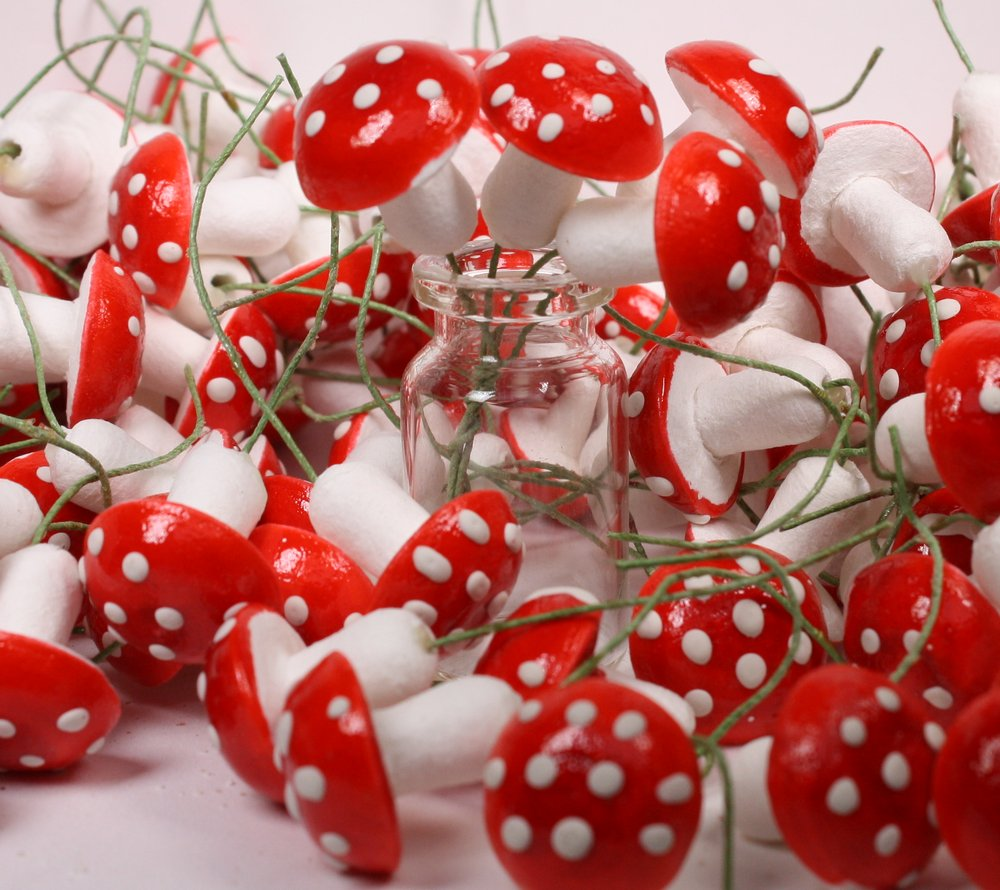 Mega Red Mushrooms! 144 pcs - Vintage Spun Cotton - IV3-3634